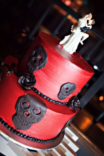 rock and roll wedding cake @heidi gardner