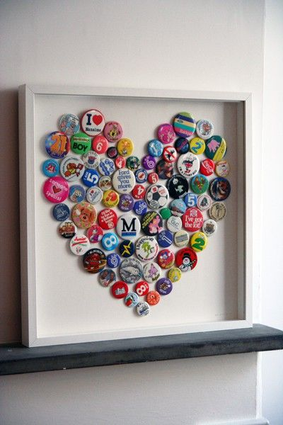 DIY Bottle Cap Art or with buttons or pins... Finally something to do with all my pins/buttons!!