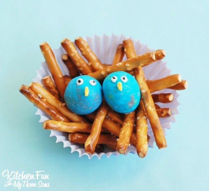 Easy Baby Bird Snack Cup Treats...such a cute Easter class party idea that takes just minutes to make from KitchenFunWithMy3Sons.com