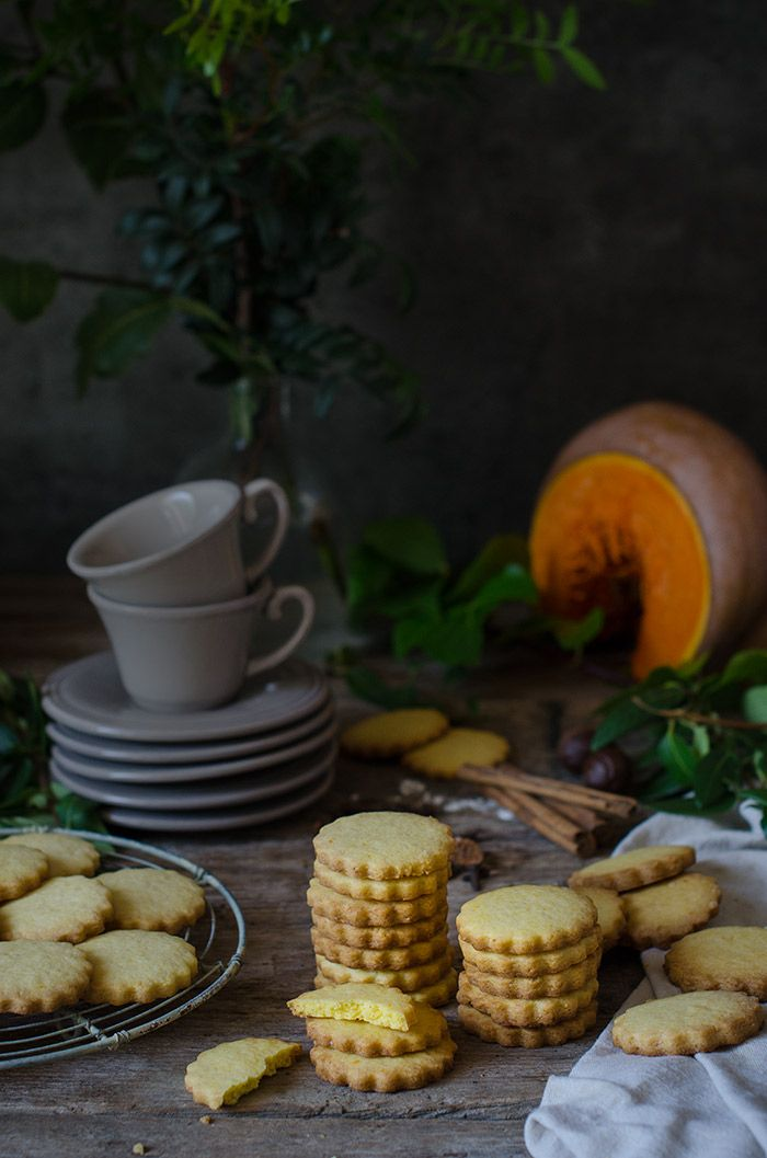 Galletas de calabaza y especias {Workshop con Eva Kosmas} | Pumpkin and spices shortbread cookies http://saboresymomentos.es