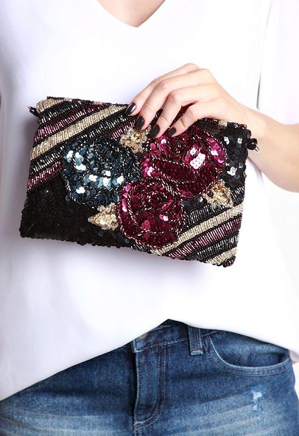 d68427d70 CARTEIRA BORDADA FLORES | carteras | Embroidery purse, Beaded bags e  Handmade bags
