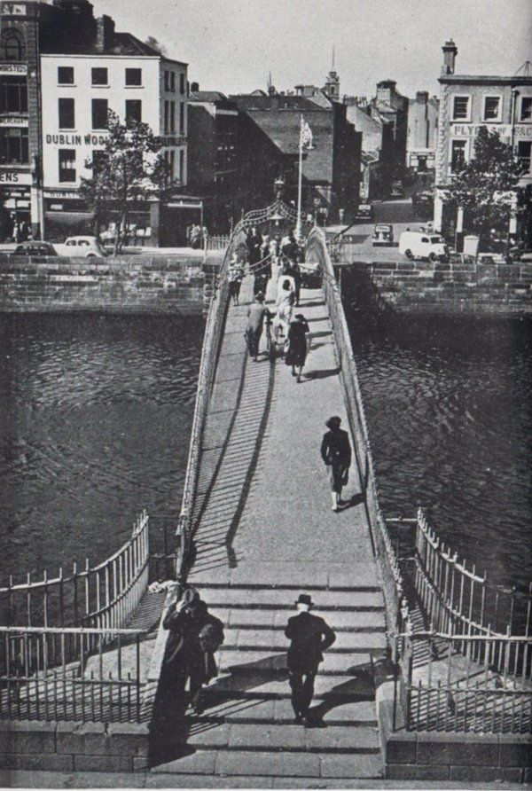 Ha'penny bridge over the river Liffey 1961