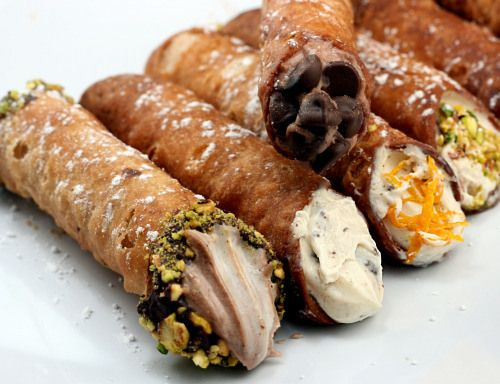 LEAVE THE GUN, TAKE THE CANNOLI"