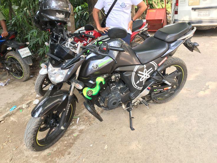 Yamaha fzs fi modified