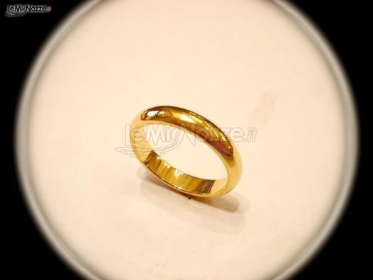 http://www.lemienozze.it/gallerie/foto-fedi-nuziali/img31400.html Fede nuziale, modello classico, in oro giallo