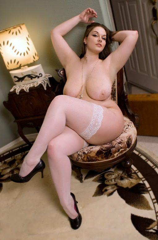 Latinas big butt naked