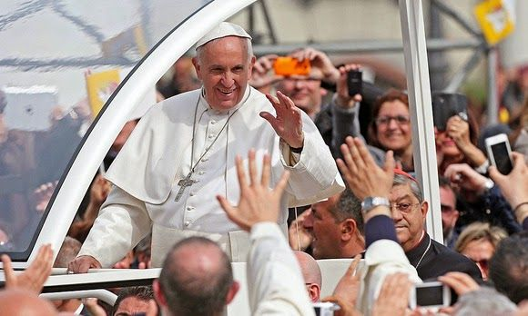 """La Mafia  é anche nella tua citta       *       Die Mafia ist auch in deiner Stadt  : Papst auf """"Kreuzzug"""" gegen die Camorra"""