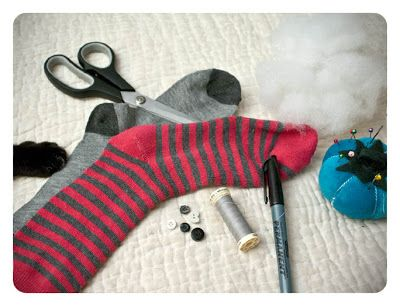 RAWR Creatures: HOW TO MAKE A SOCK TEDDY BEAR