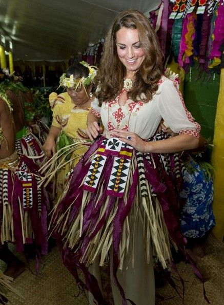 Kate - She seems like such a good sport!Duchess Of Cambridge, The Duchess, Royal Baby, Prince Williams, Dance Moving, Princesses Crui, South Pacific, Kate Middleton, Solomon Islands