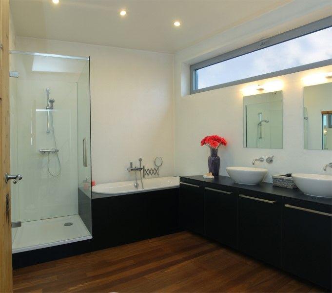 Badkamer Met Of Zonder Raam : Images about badkamer on tile bathroom ...