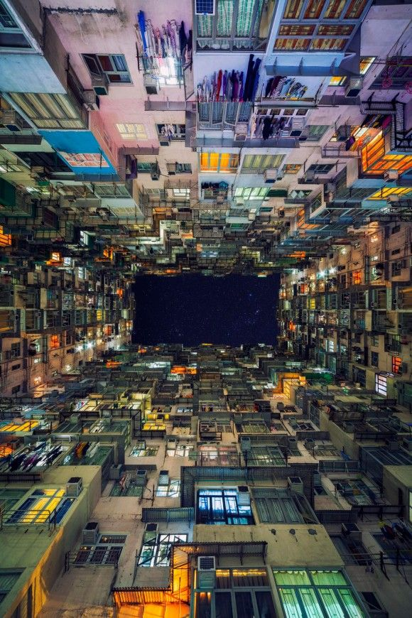 古くて新しい近未来的都市空間。香港の高層集合住宅をサイバーパンク風に撮影