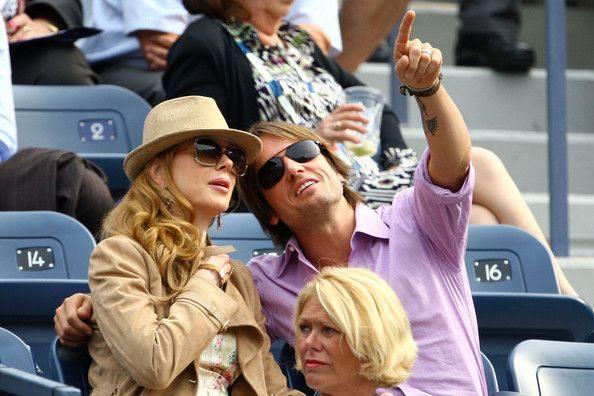 Keith Urban Photos Photos - (L-R) Actress Nicole Kidman and musician Keith Urban attend the Roger Federer vs Tommy Robredo match during day eight of the 2009 U.S. Open at the USTA Billie Jean King National Tennis Center on September 7, 2009 in the Flushing neighborhood of the Queens borough of New York City. - US Open Day 8