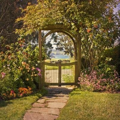 a secret gardenCottages Gardens, Secret Gardens, Garden Gates, Stones Paths, Front Yards, Gardens Gates, Beautiful Gardens, Dreams Gardens, Iron Gates