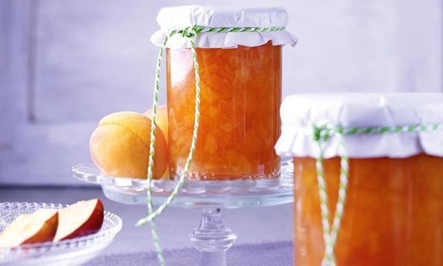 Aprikosen-Nektarinen-Konfitüre mit Sekt                              -                                  Frucht-Gold für echte Geniesser
