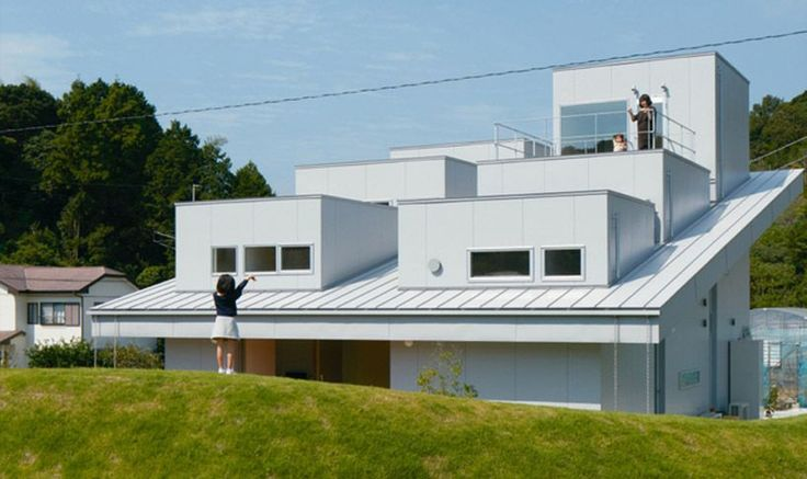 fujiwaramuro architects' bright private house in tokushima