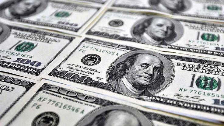 Dolar/TL dün 3,5561 ile 3 Ocak'tan bu yana en düşük seviyesini görmesinin ardından bugüne yatay seyirle başladı.