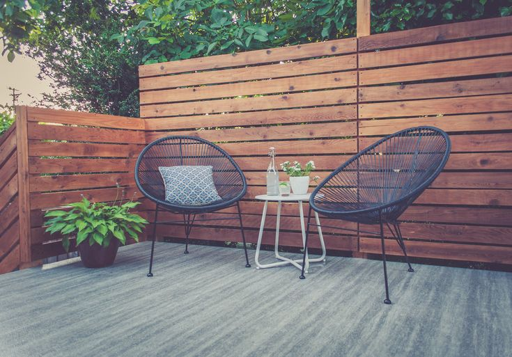 Deck Makeover - Acapulco chairs - cedar panels