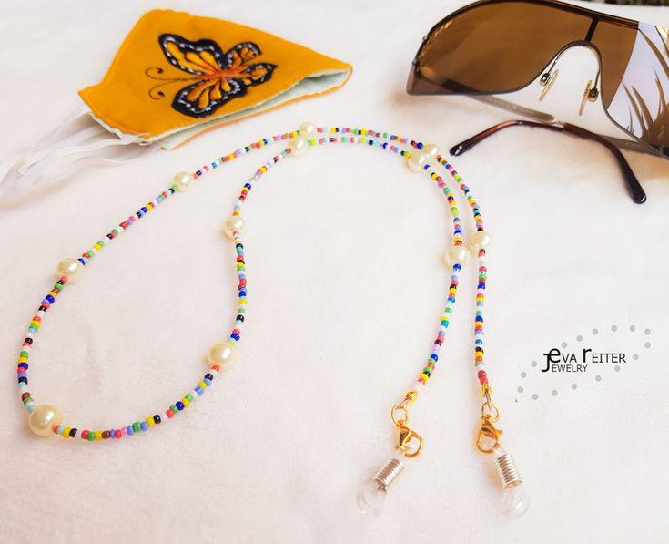 Para que no dejes tu cubrebocas en cualquier lado utiliza la cadena para sujetarlos 😉👍 Fantasy Dress, Beaded Necklace, Beads, Glasses, Videos, Diy, Jewelry, Fashion, Seed Beads