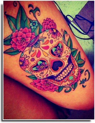 Les 25 meilleures id es de la cat gorie tatouages de t te de mort sur la cuisse sur pinterest - Tatouage crane mexicain ...