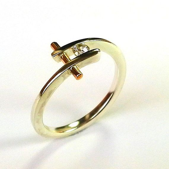 I made this ring with sterling silver and nail gold 14K with diamond (diameter 3mm).Original ring fully handmade .  Diamond ; 0,08 ct , vs ,G i make size for request buyer
