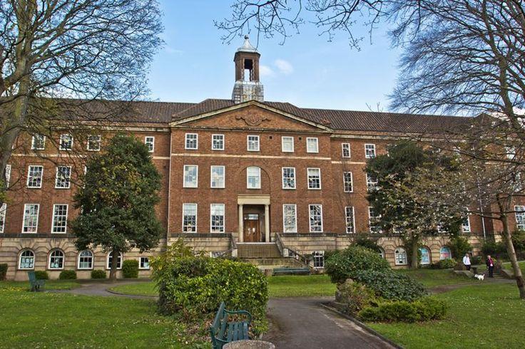 Колледж Шрусбери Сикст Форм в Великобритании Shrewsbury Sixth Form College #образование #колледж #Великобритания #SSFC #BellGroup Современные методики обучения высокого уровня позволяют студентам приобрести знания и навыки для дальнейшего обучения в вузе или работы. Колледж входит в 20 лучших колледжей Великобритании. В колледже есть два кампуса расположенные на реке Северн.