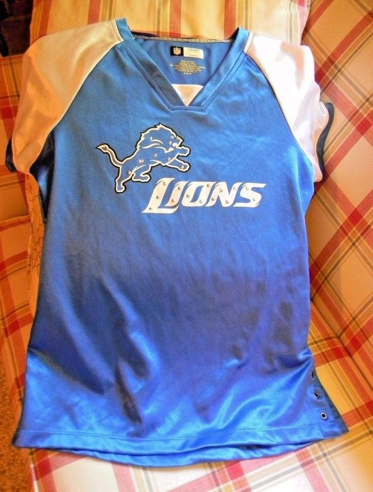 Detroit Lions NFL Fan Fashion JERSEY/Shirt by Team Apparel Women's Size S V Neck #TeamApparel #DetroitLions