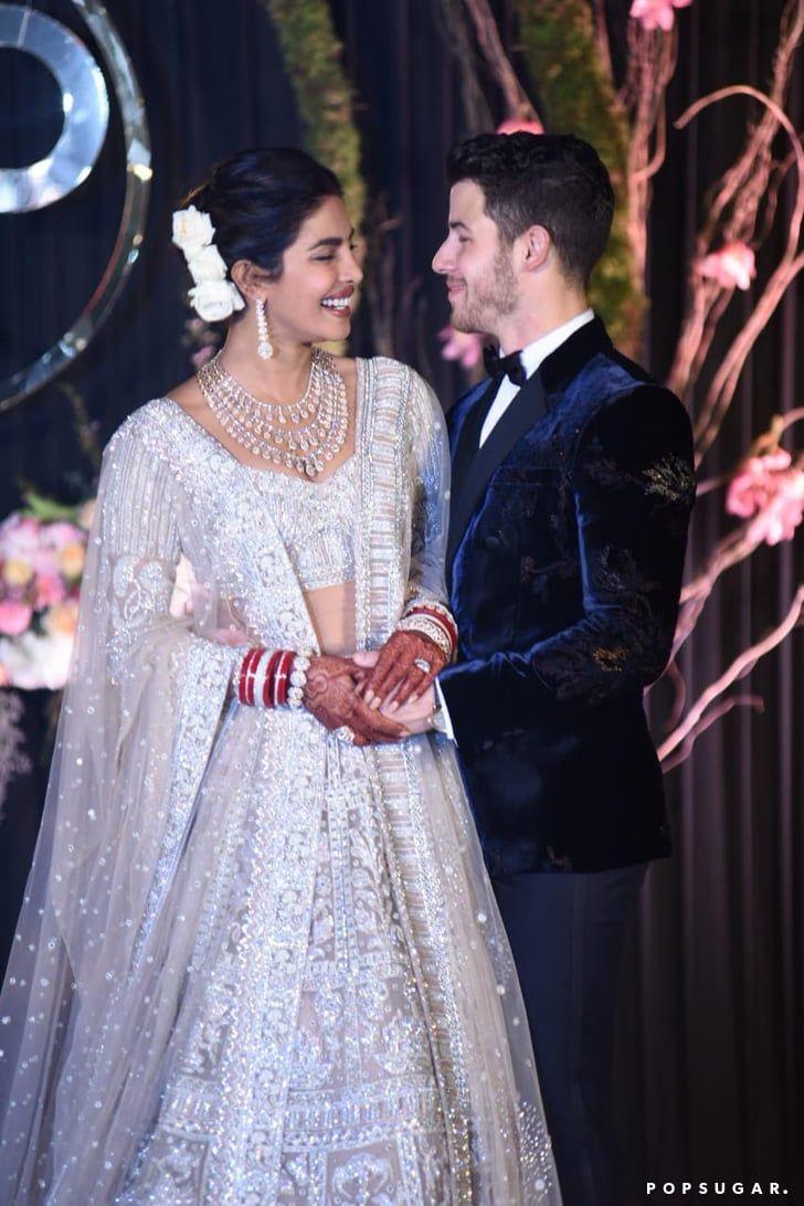 Priyanka Chopra und Nick Jonas haben einen Blick auf ihren atemberaubenden Hochzeitstag geworfen – siehe Bilder!