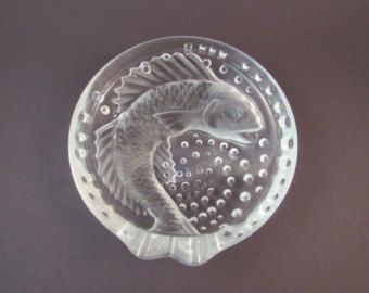 Vintgage Lalique Concarneau Ashtray Koi Fish Signed Frosted Crystal with Bubbles