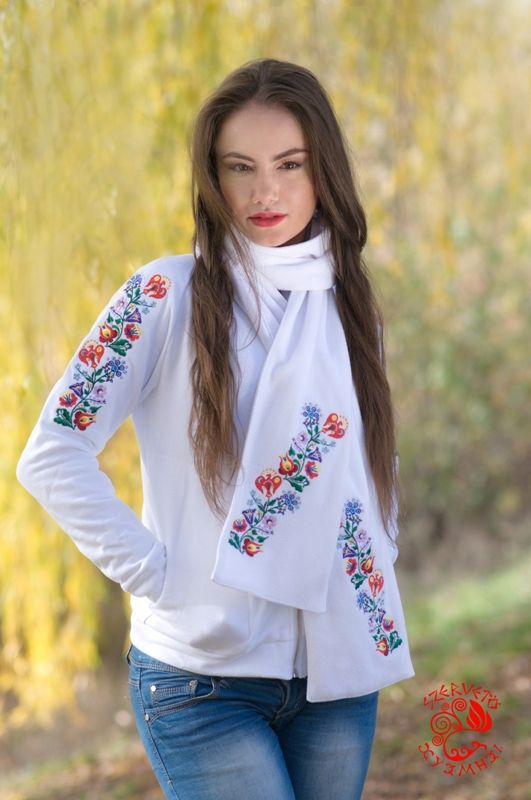 Hooded scarf, embroidery, Hungary, soft, warm, fashion, clothes