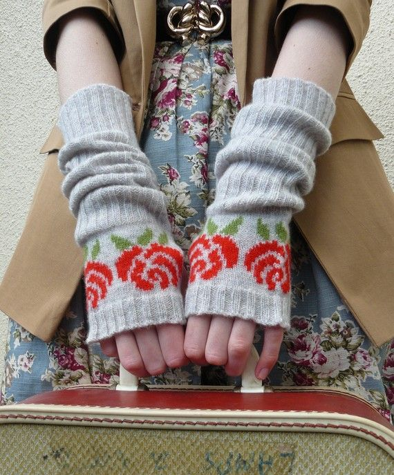24,716 v stitches hold hands to make this one vKnit