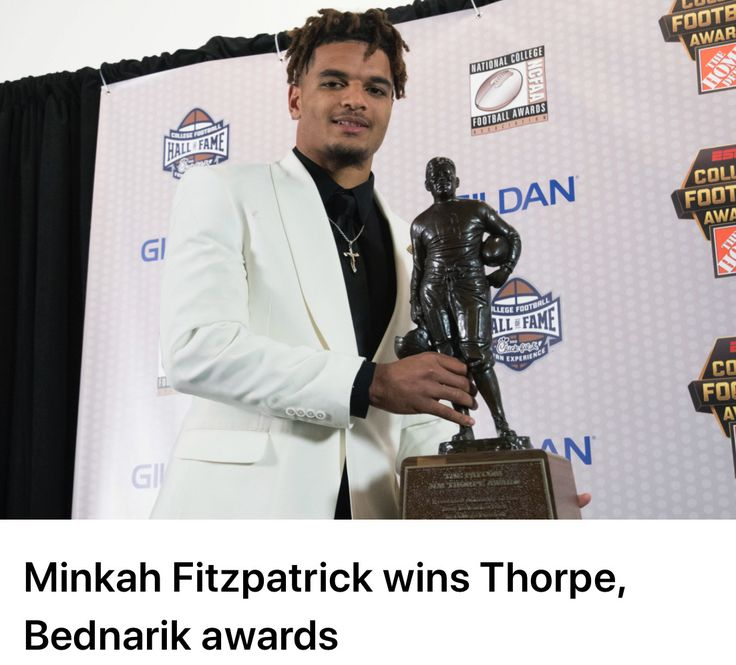 Minkah Fitzpatrick claims both the Chuck Bednarik and Jim Thorpe Awards at the College Football Awards in Atlanta. #Alabama #RollTide #BuiltByBama #Bama #BamaNation #CrimsonTide #RTR #Tide #RammerJammer