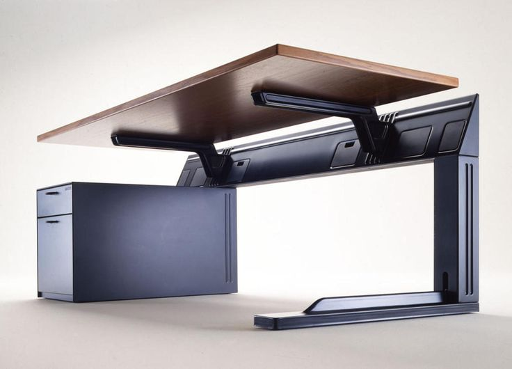 Adjustable desk table for an office. From 9 to 5, 1986, Richard Sapper