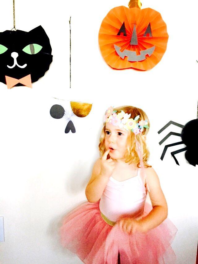 Halloween photo booth: Halloween crafts ☆ // Basteln zu Halloween / #basteln…