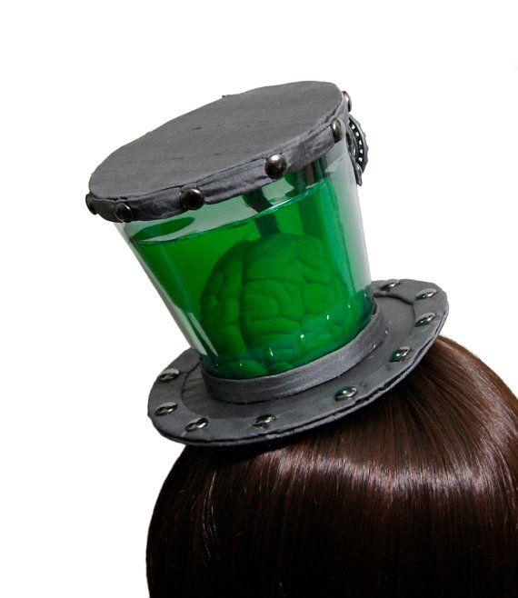 Espécimen de Steampunk cerebro de científico loco en un sombrero de tarro