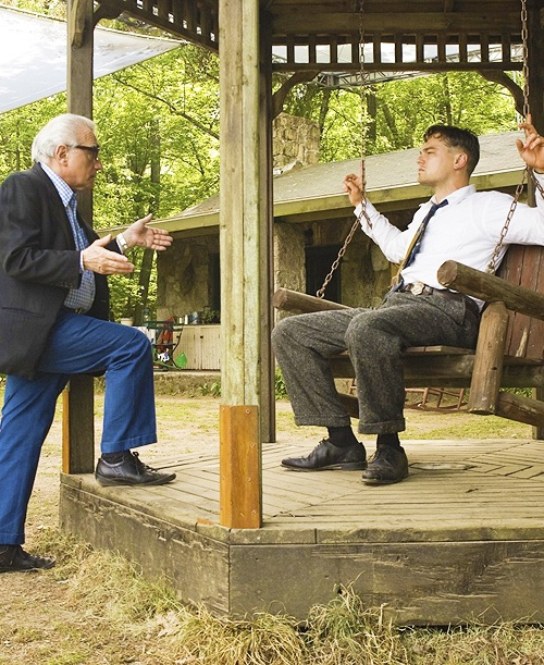 Martin Scorsese and Leonardo DiCaprio on the set ofShutter Island(2010)