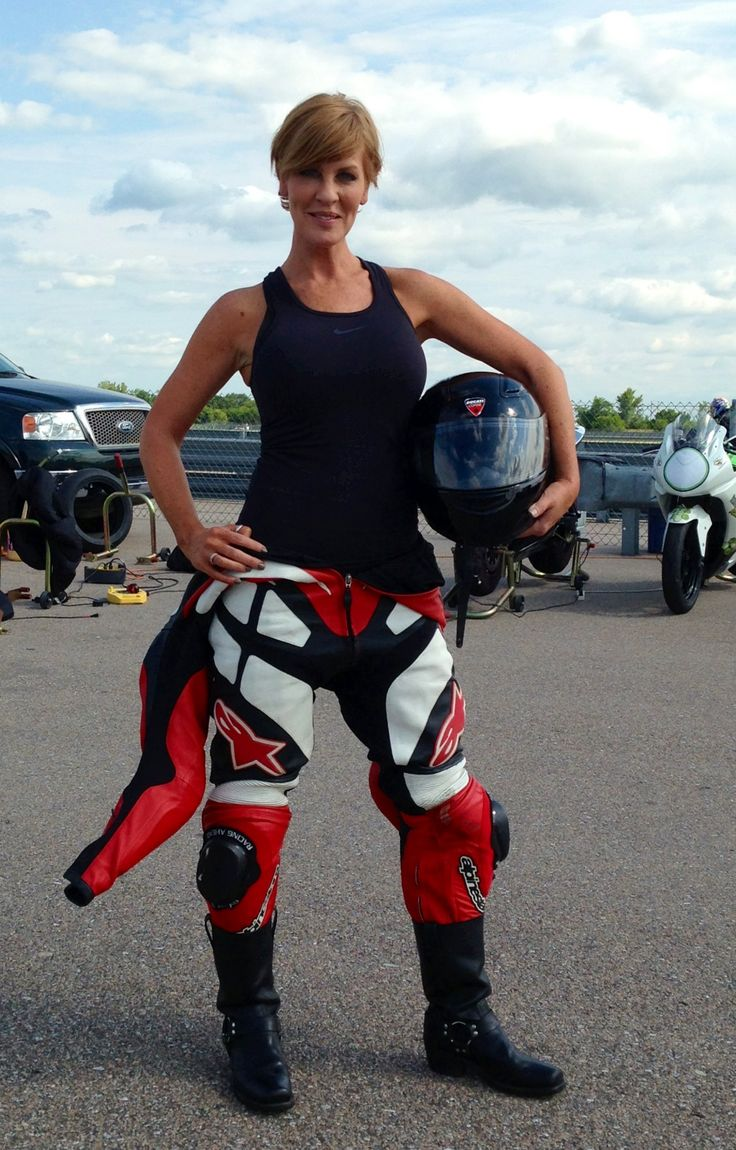 Motorcycle Style With Pixie Haircut Hair Motorrad