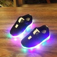 Wish | New Fashion LED lighting children casual shoes boys girls luminous flashing sneakers baby kids light up boots tenis infantil