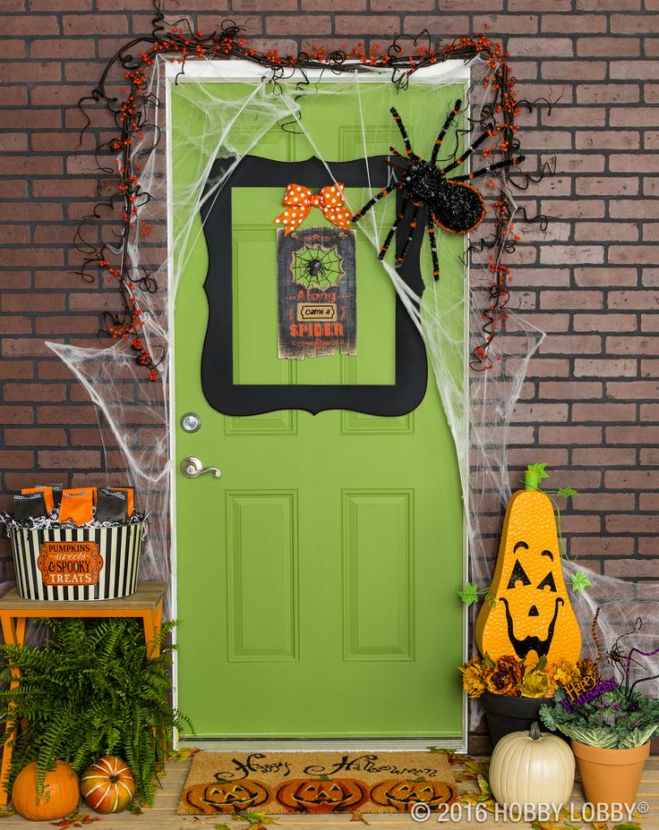 Make your doorstep the talk of the town with spooky-cute decor! & 381 best Halloween Decor \u0026 Crafts images on Pinterest | Diy ...