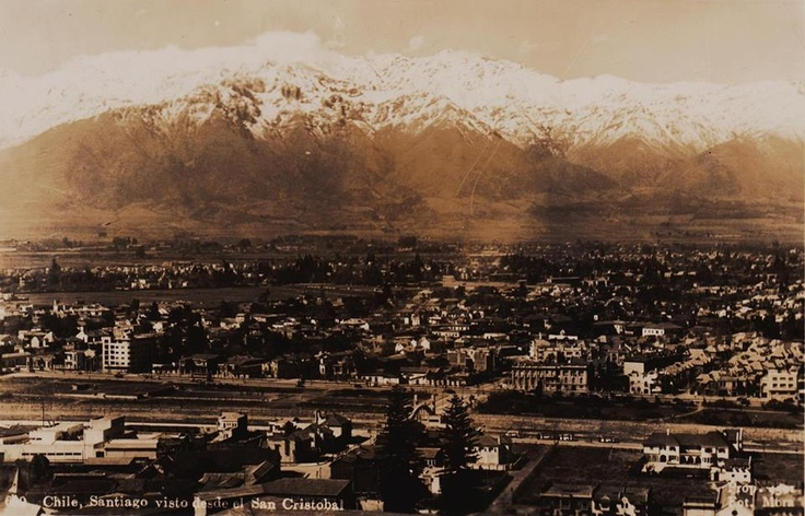 La comuna de Providencia. Vista desde el Cerro San Cristóbal ca. 1948. Santiago.