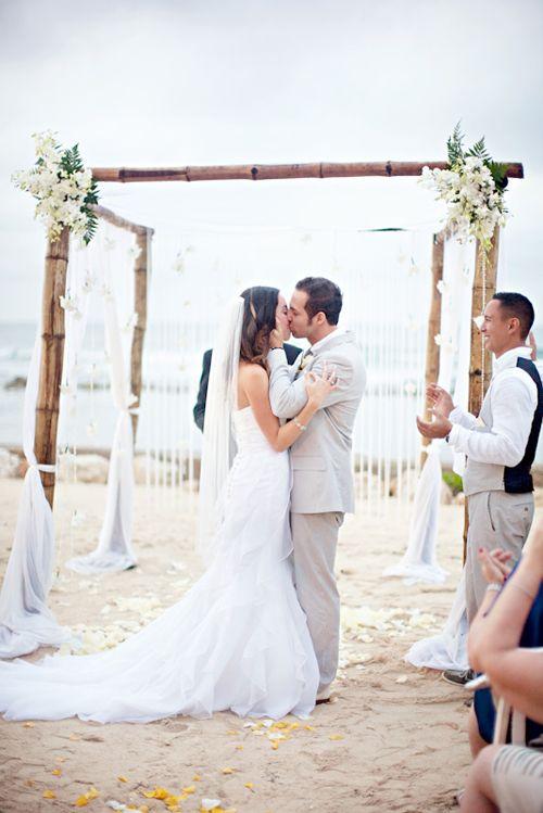 Beach Wedding Jamaica Montego Bay http://yesidomariage.com - Conseils sur le blog de mariage