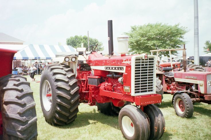 Ih Pulling Tractors : Best images about tractors on pinterest