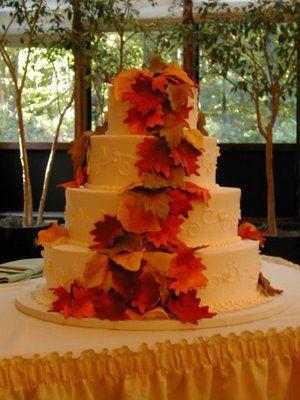 Fall Pumpkin Wedding Decorating Ideas | Wedding Decor: Pretty Fall Wedding Cakes.