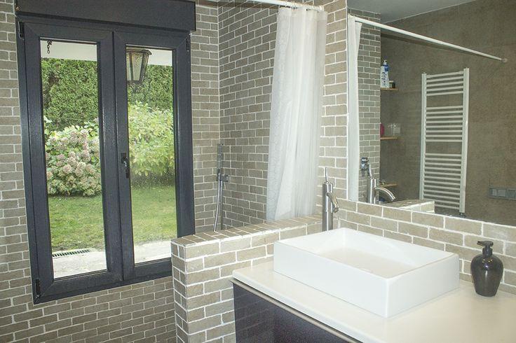 Baño en suite con vistas