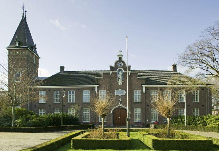 't Withof, rijksmonument aan de Bisschopsmolenstraat 162 in Etten-Leur.