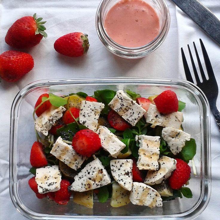 Salada de Tofu e Vinagrete de Morango
