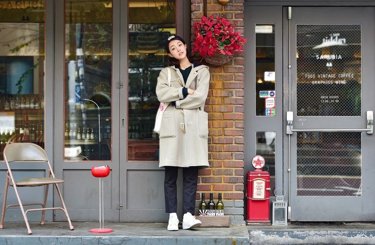 <Street Fashion in Seoul>  Casual, comfortable and chic, duffle coat is the reason why we all wait for winter.