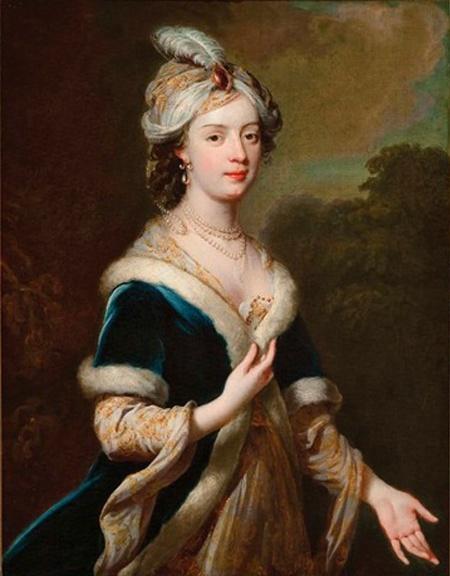 Lady Elizabeth Howard, 1701-1739 by George Knapton 1698-1778 - Elizbeth was the eldest daughter of Charles Howard, 3rd earl of Carlisle, here in Turkish costume.