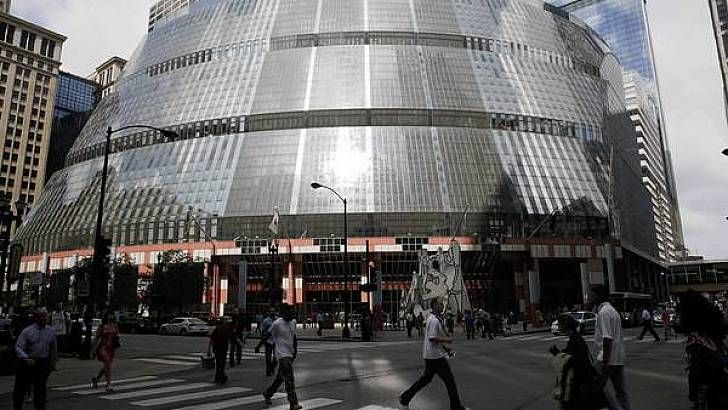 Fighting to save the Thompson Center with a movie camera – Chicago Tribune