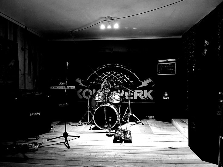 YES! - Our rehearsal room is our second home 🤘  #rehearshalrooms #rockandroll #hardrock #rockmusic #rockband #hardrockhotel #rockandrollmusic #photooftheday #backdrops