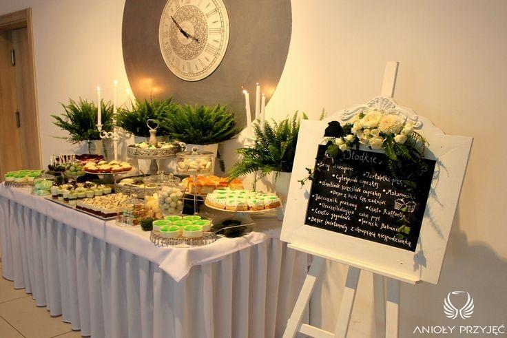 9. Irish theme Wedding,Sweet table decor,Fern,Sweets / Irlandzkie wesele,Dekoracja słodkiego stołu,Paproć,Słodkości,Anioły Przyjęć
